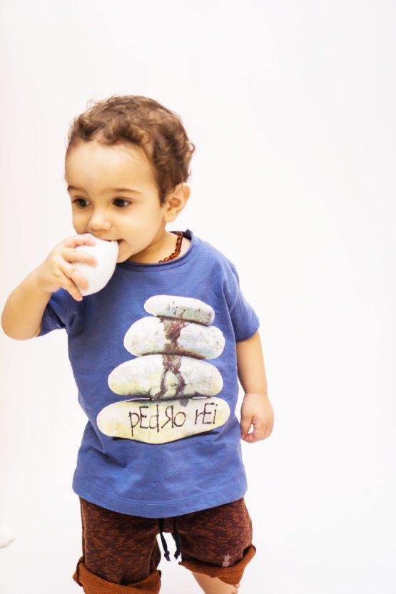 Bermuda pEdRo rEi HomenZiNhO 1 555x833 - Camiseta Pedra Pai e Filho