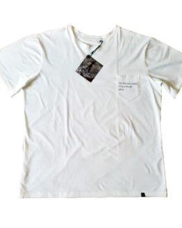 Camiseta Branca Bolso Bordado Pai e Filho 01 262x328 - Camiseta Branca Bolso Bordado Pai e Filho